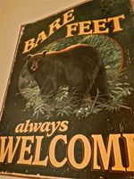 BARE FEET always Welcome to the Canadiana Cabin Condo!